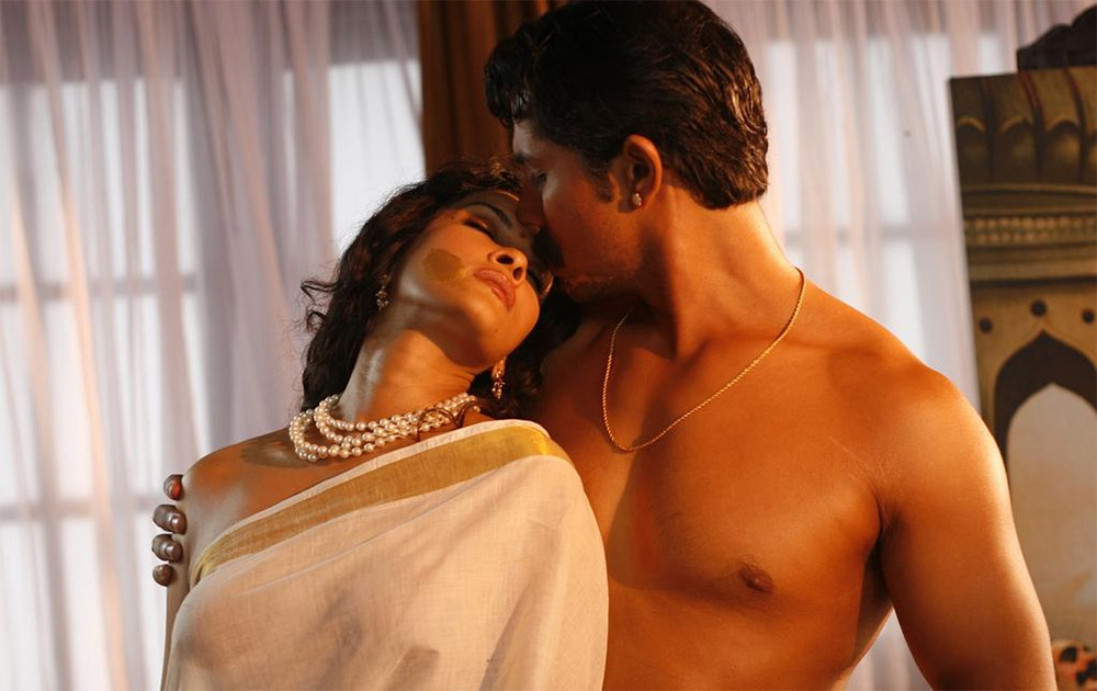 Randeep Hooda with Co-star Hot Photos from Rangrasiya Movie