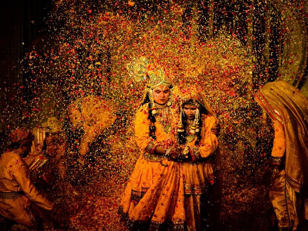 Mathura-Holi-Festival-from-Mumbai-001