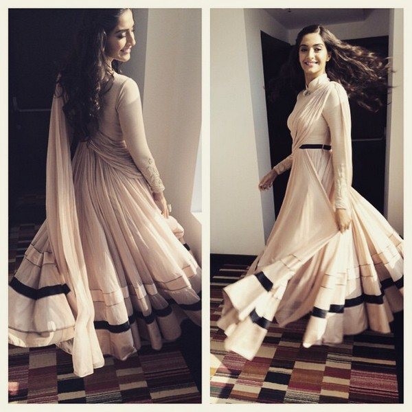 sonam-kapoor-in- Anarkali-dress