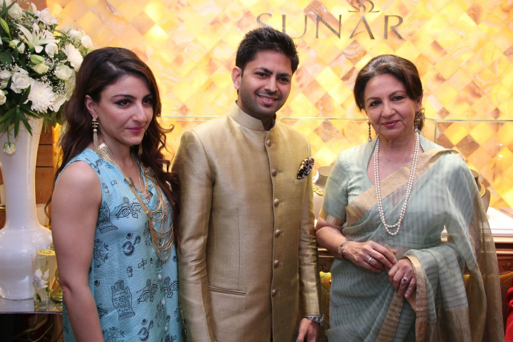 Actress Soha Ali Khan, Praveen Goel CMD SUNAR and Actress Sharmila Tagore