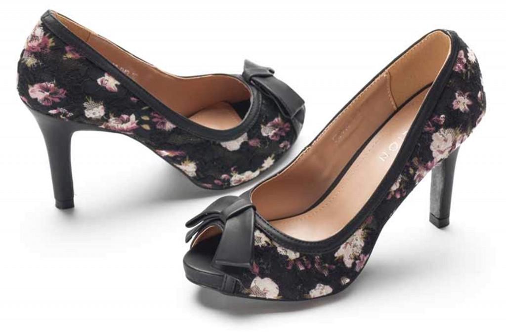 Floral heels black