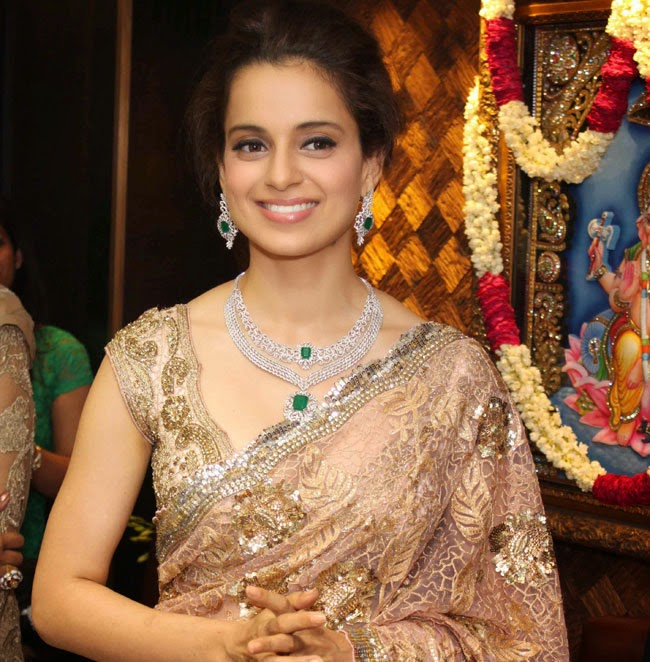 Kangana-Ranaut-at-launch-of-sunar