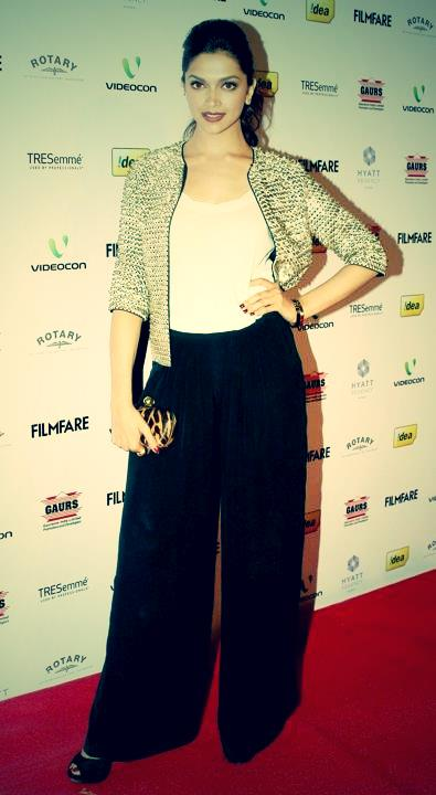 Deepika PaduKone Always Stylish in Plazo and crop top