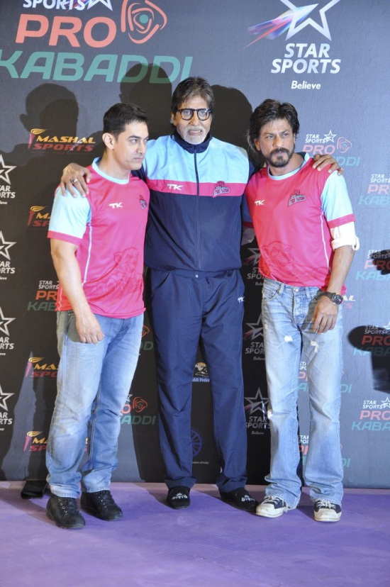 Amitabh Bachchan, Amit Khan and Shahrukh khan at Prokabaddi