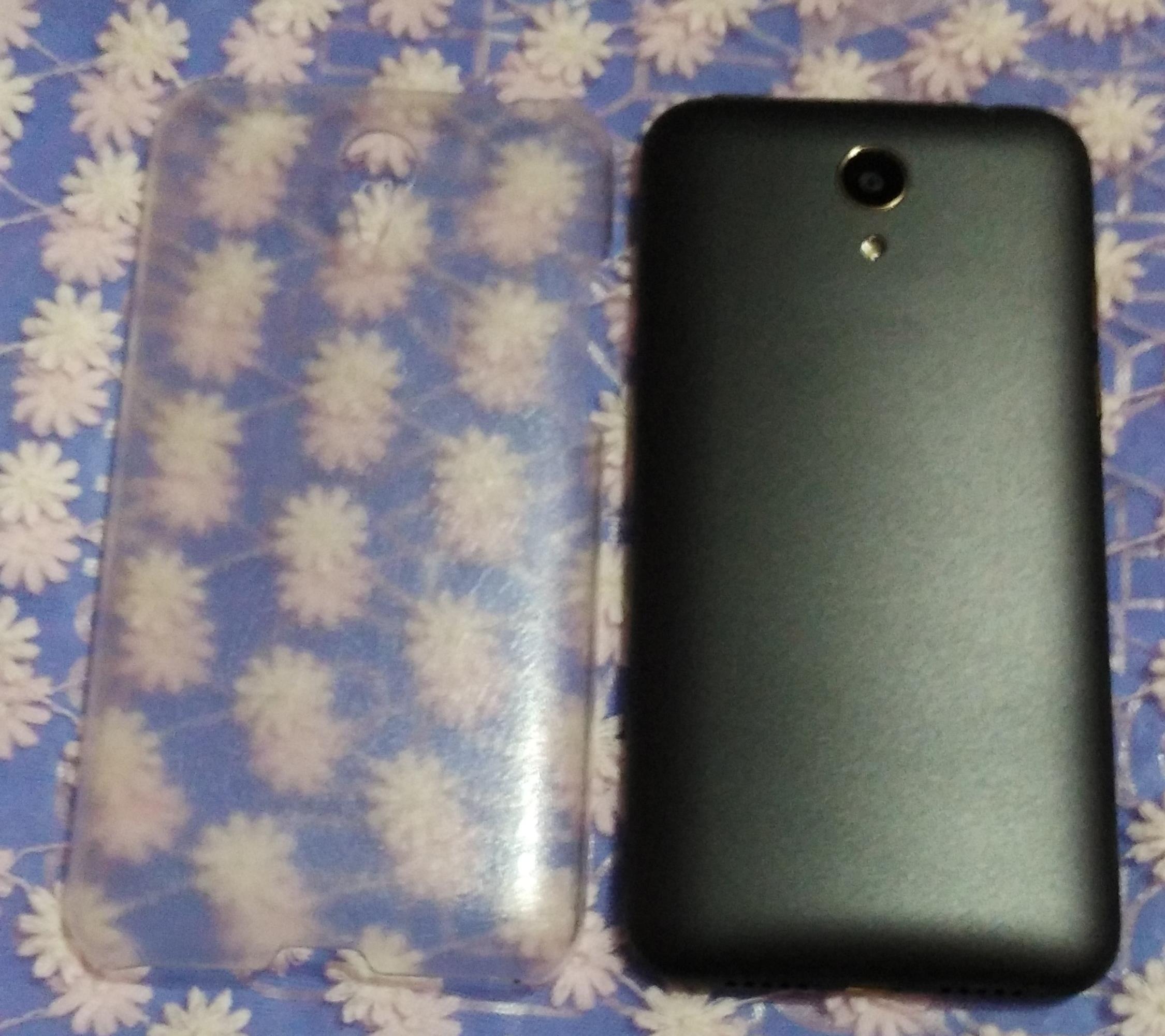 Intex Cloud 4 G Star Backlook black color