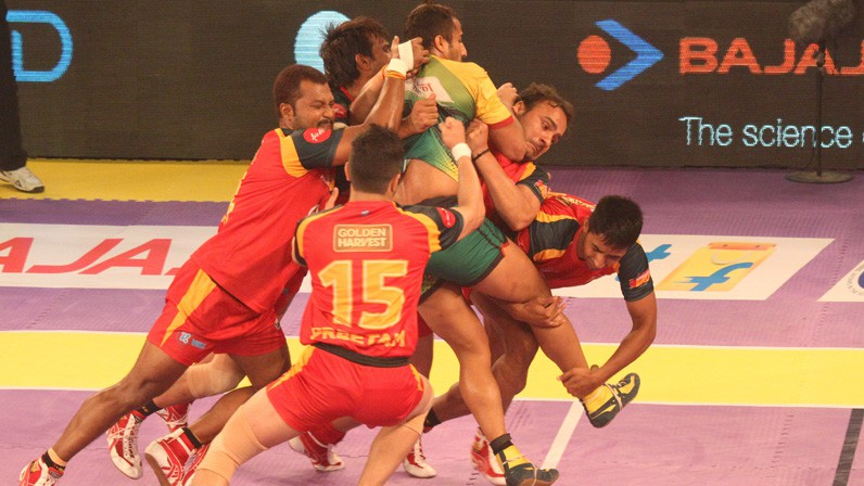 Pro Kabaddi Game Players Trying hard to win