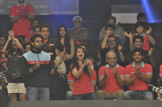 Pro_Kabaddi_league_abshishek_bachchan and Aishwarya Rai Bachan