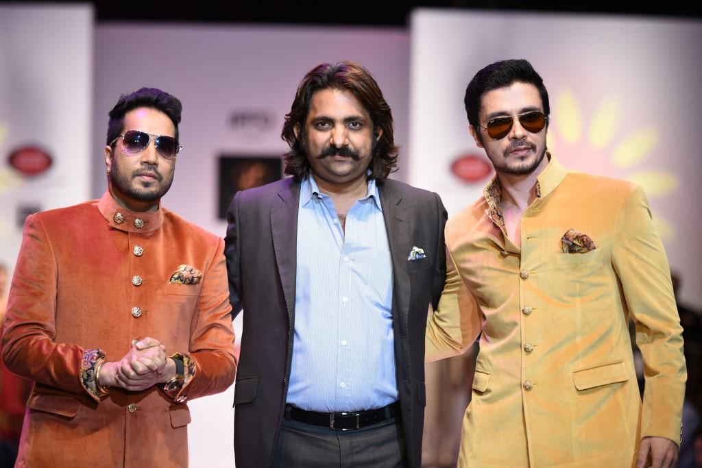 Singer Mika Singh & Darshan Kumar at India Runway Week