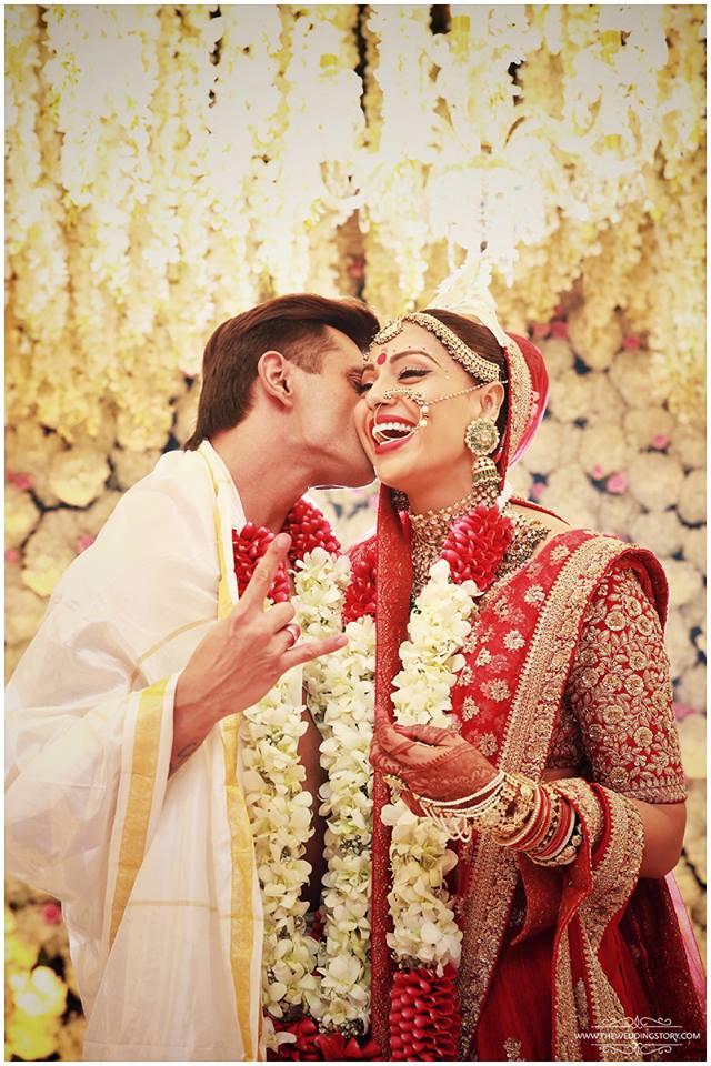 Bipasha and Karan Wedding pose