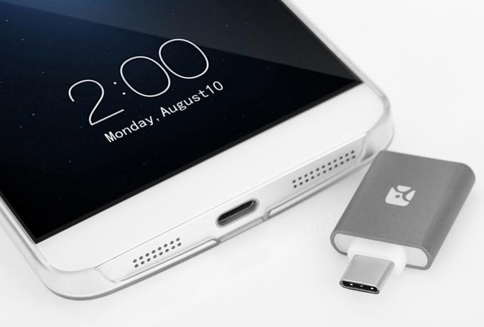 Dash Type-C MicroSD Reader
