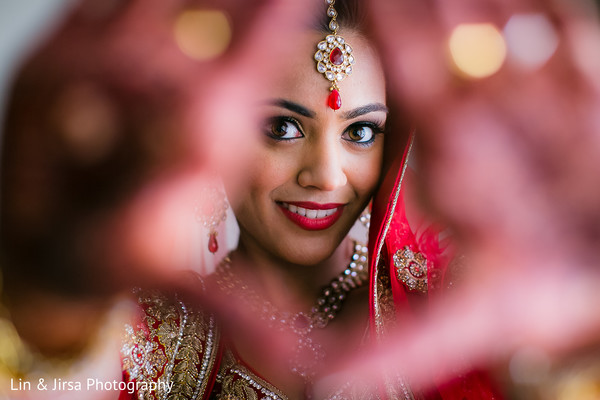 Latest Bride Poses for - Wedding Day