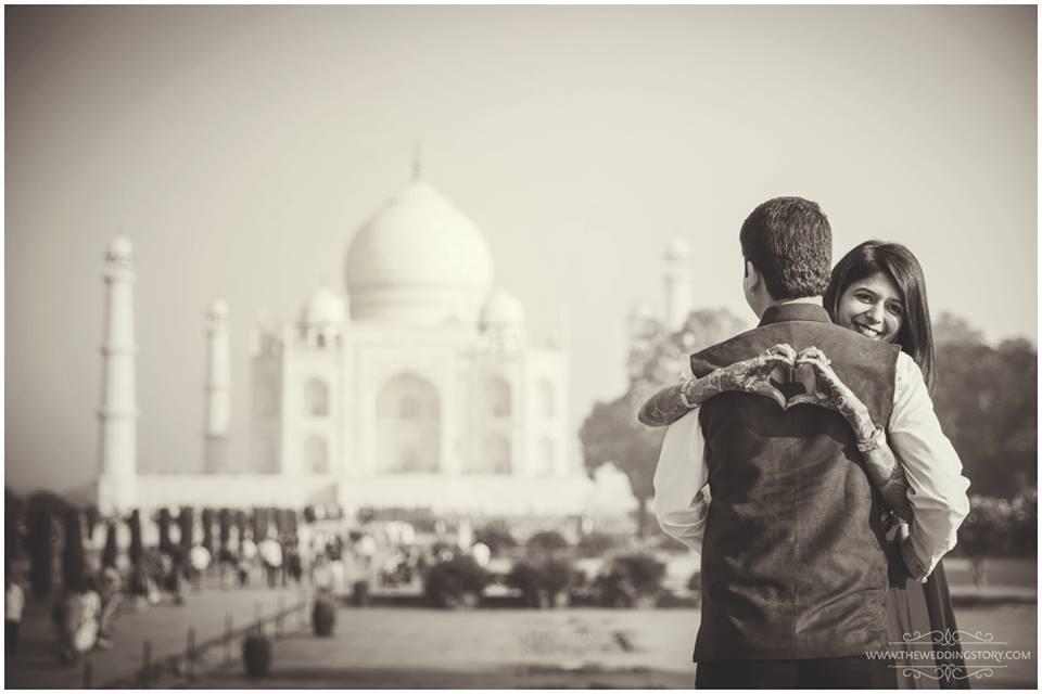 Pre wedding shoot at Taj Mahal