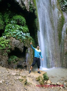 Ttrekking to Waterfall