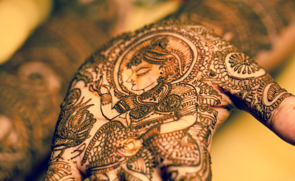 Bride Mehndi Photo Shoot Ideas