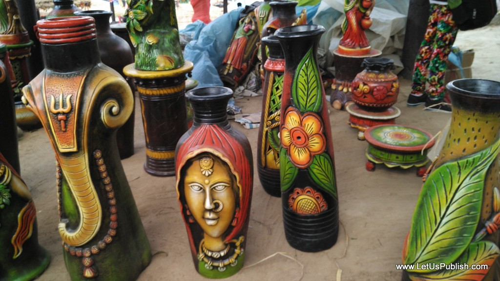 Colorful Art works- Surajkund Mela Pictures 2016.jpg