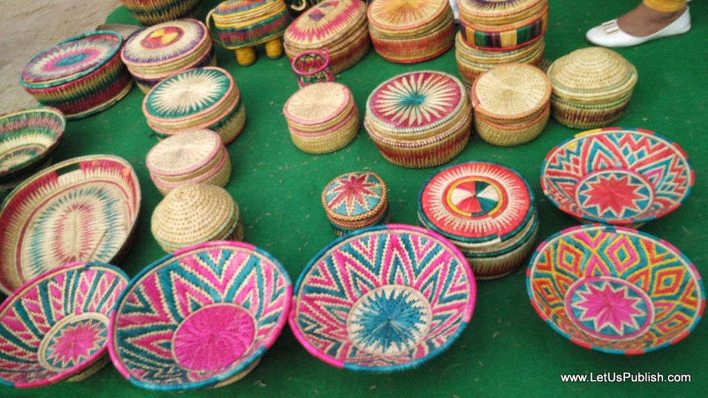 Handicraft work- Surajkund Mela Pictures 2016.jpg