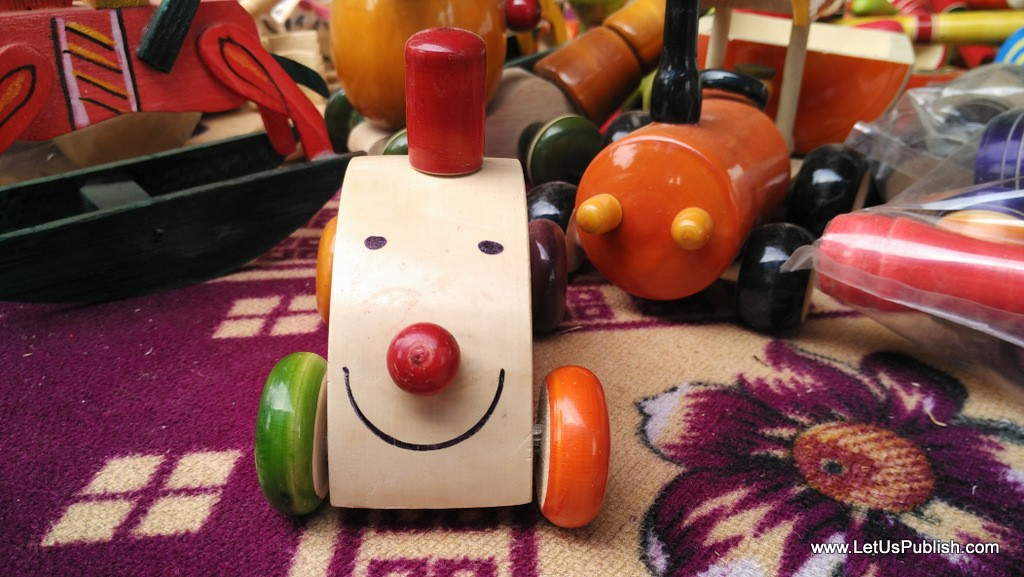 Kids Car Wooden Art work- Surajkund Mela Pictures 2016.jpg
