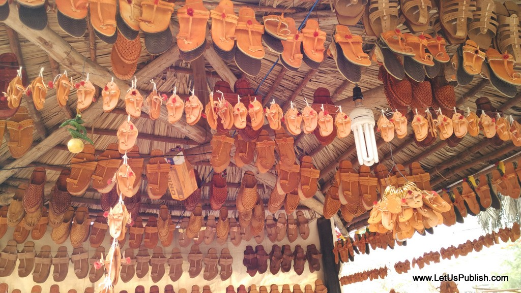 Shoes & Kohlapuri Chappals Stall at - Surajkund Mela - Pictures 2016.jpg
