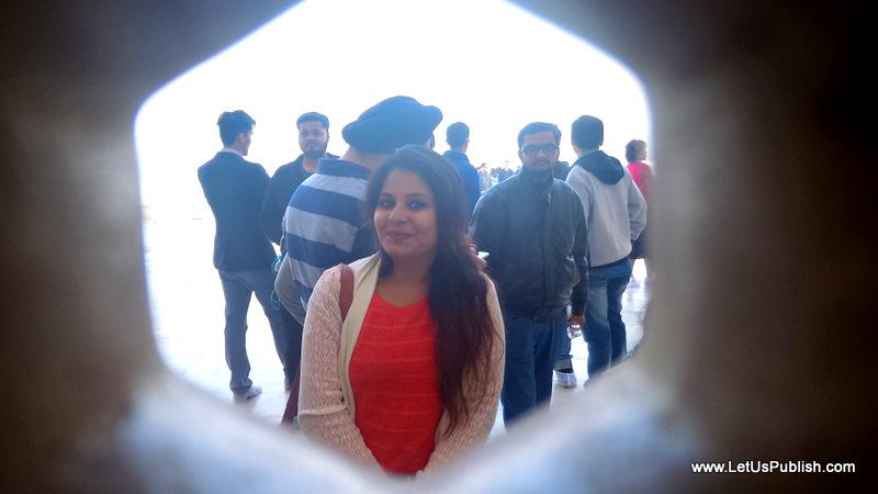 Taj Mahal Pics Yogita Aggarwal, Travel blogger