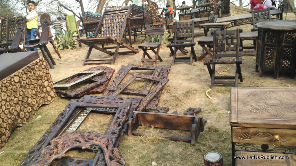 Wooden Handlooms work- Surajkund Mela Pictures 2016.jpg