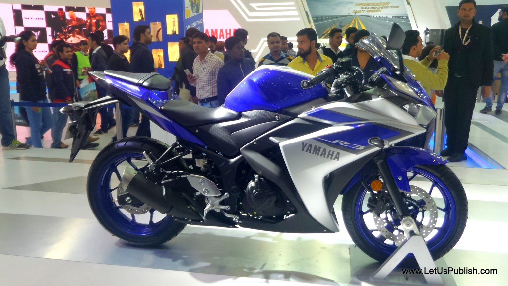 Yamaha R 3 Bike Auto Expo Pitures