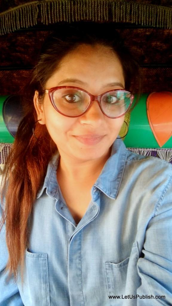 Yogita Aggarwal, Selfie Travel Blogger