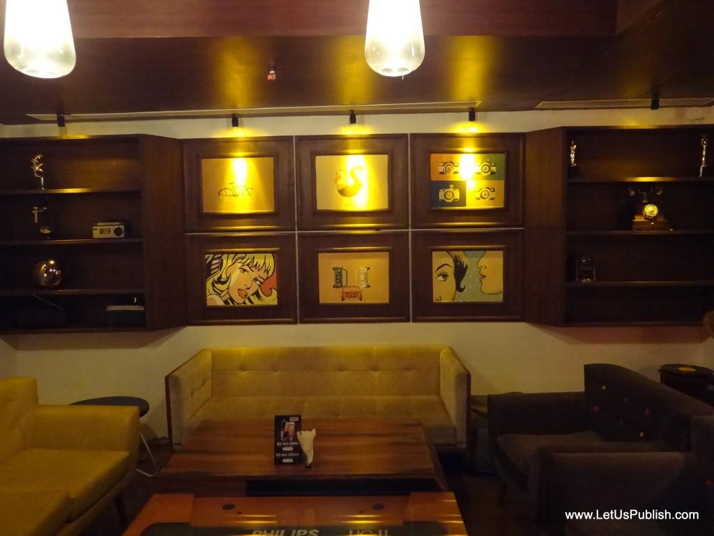 Cafe Public Connection Retro Theme Bar Delhi