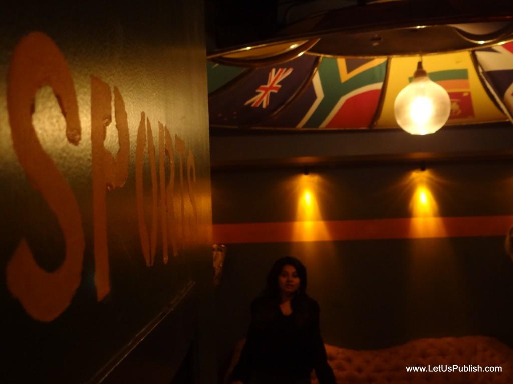 Cafe Public Connection Bar Cp New Delhi Sports Theme Pub