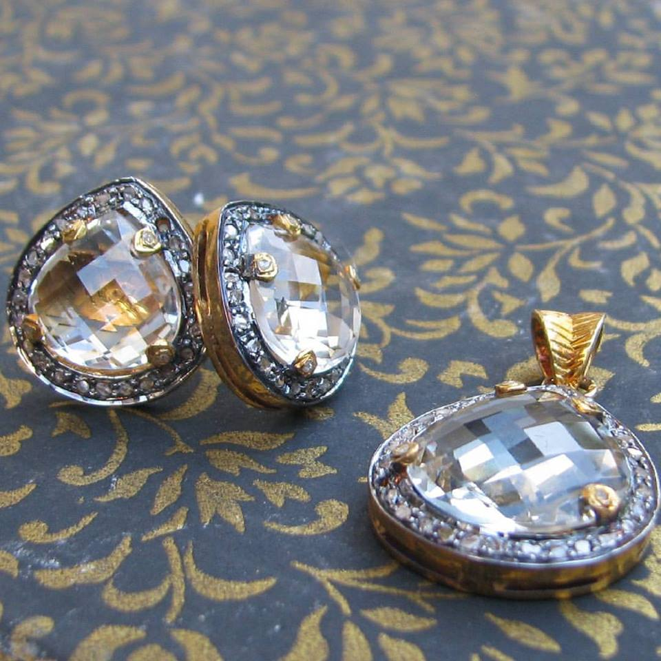 Designer Pandent and Earings in Gold Latest Design Gharaz