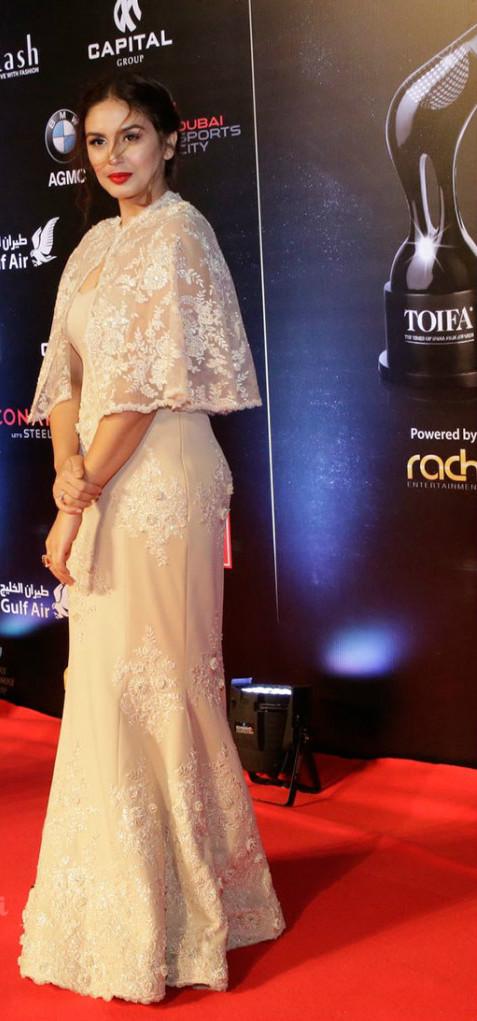 Huma Qureshi at red carpet TOIFA