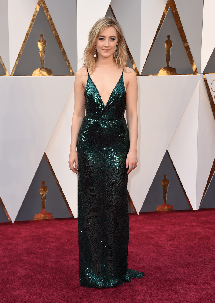 Saoirse Ronan looked electrifying in the green Calvin Klein gown
