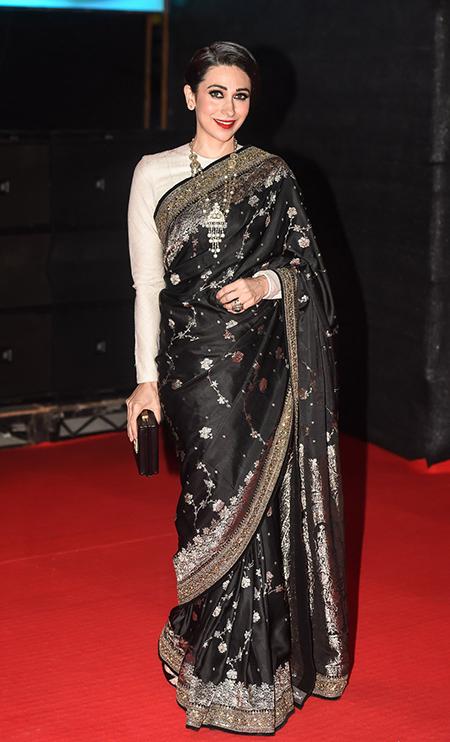 Gorgeous Karishma Kapoor at TOIFA Awards 2016