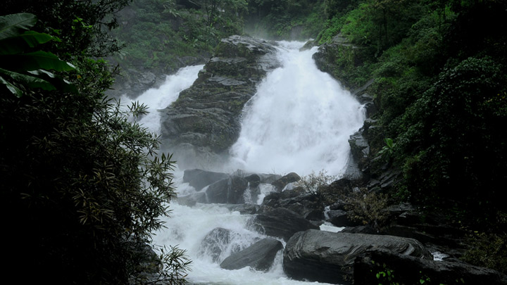 Meenmutty Waterfalls, Kalpetta