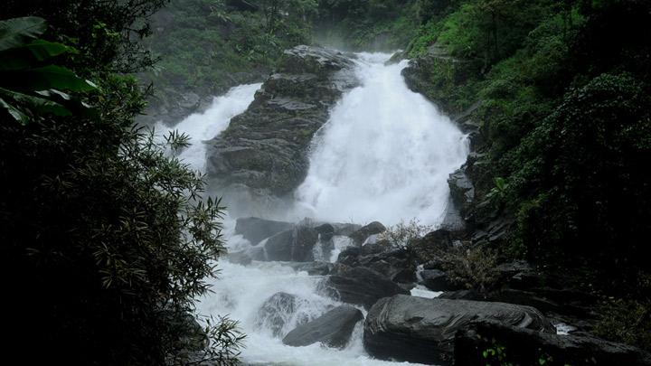 Meenmutty Waterfalls, Kalpetta