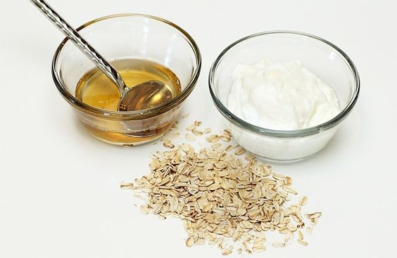 Oatmeal and yogurt