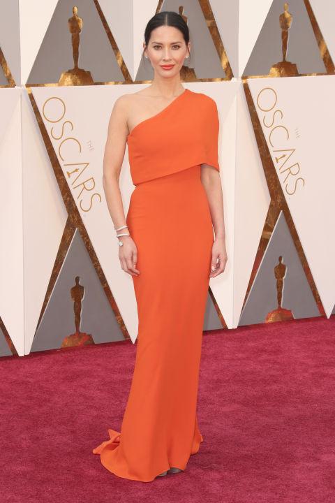 Olivia Munn, she looks a diva - -best-dressed-oscars-2016