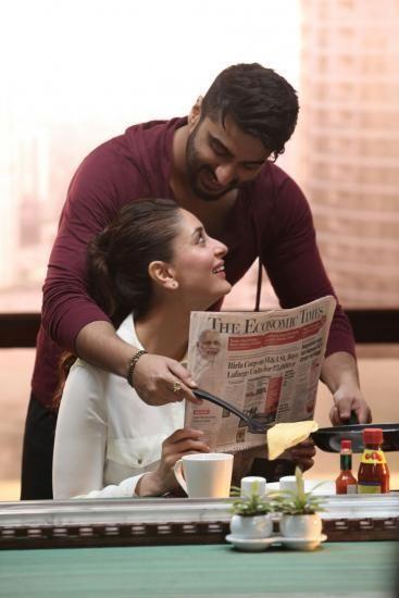 Role Reversal Ki and Ka , Arjun Kareena Romance Pics