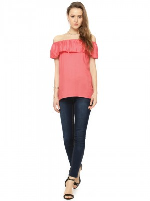 Off - Shoulder Top With skinny jeans