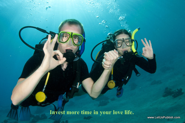 couple doing Scuba