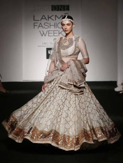 Aditi Rao Hydari at LFW Summer Resort 2016