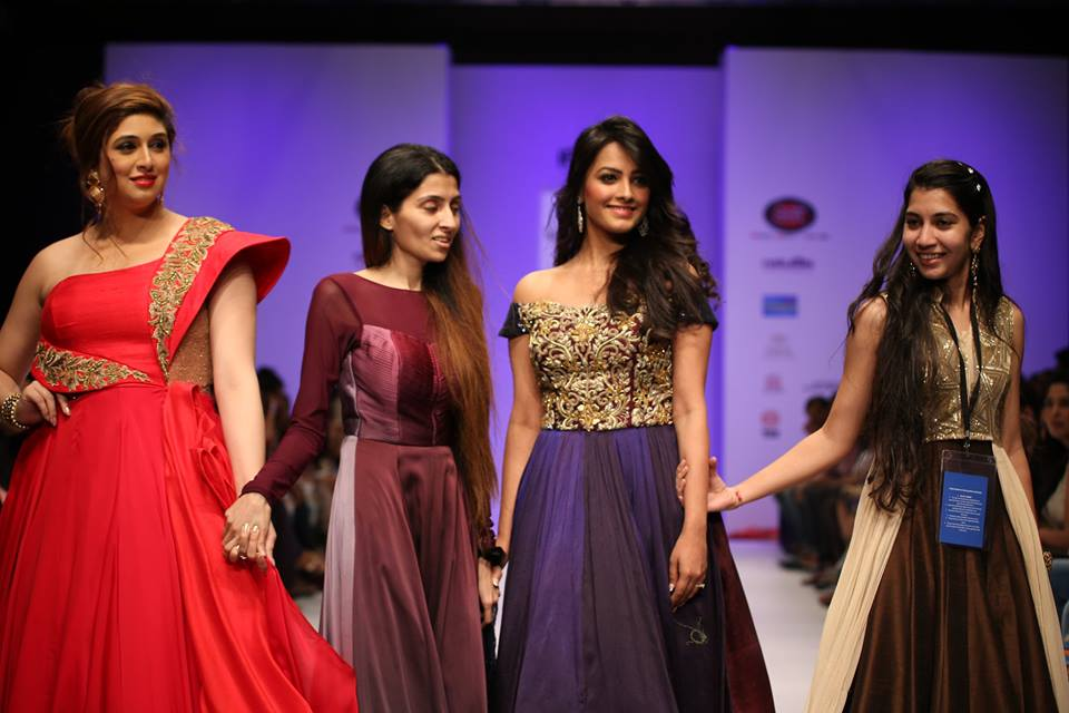 Anita Hassanandani Reddy & TV Actress Vahbiz Dorabjee Dsena walked the ramp for designer Richa Ranawat.