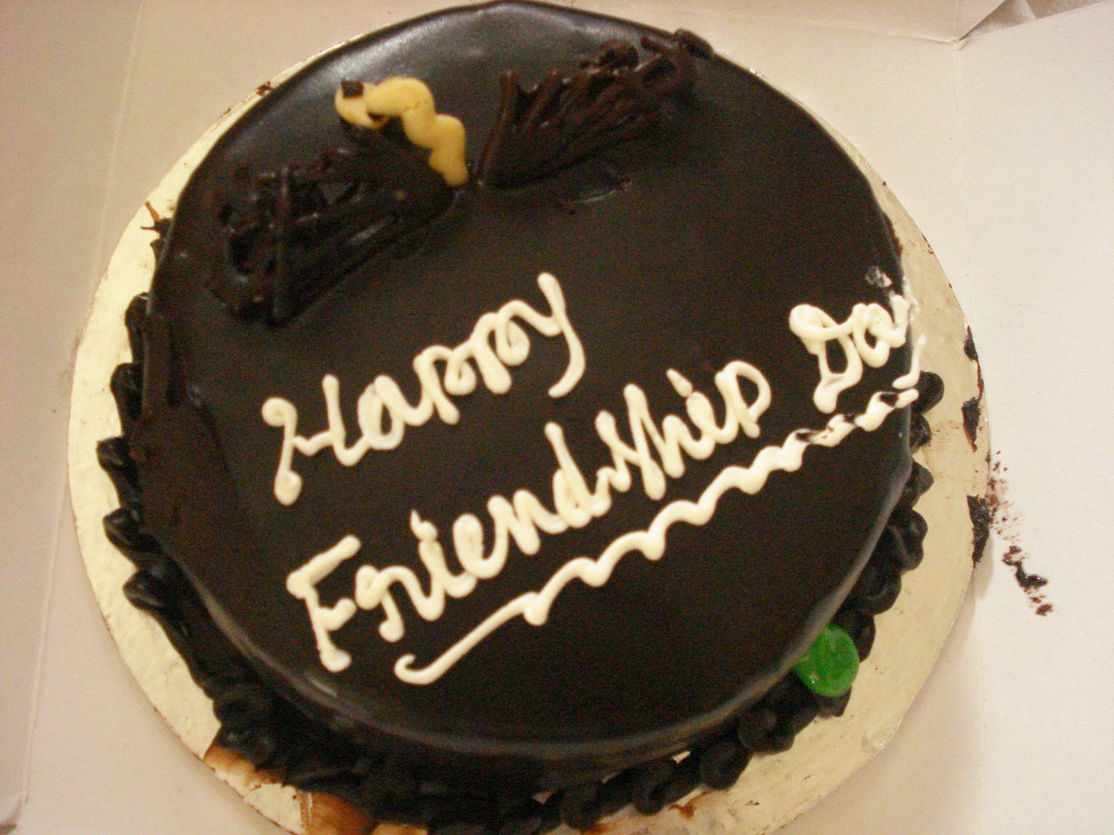 Happy friendship day cake Wallpaper