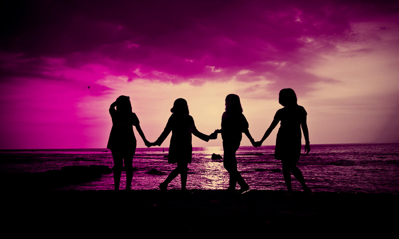 Happy friendship day wallpaper with quotes