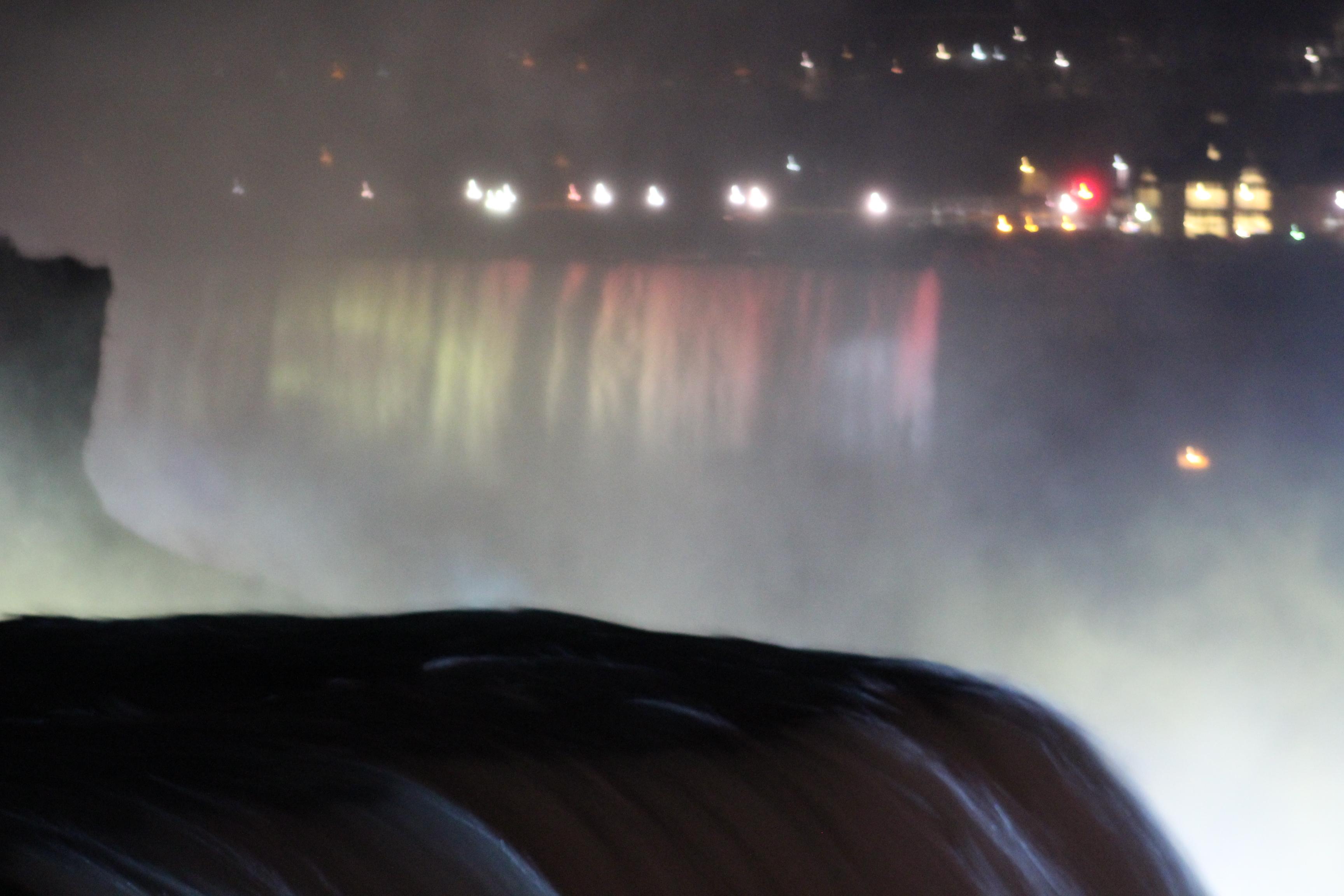 Illuminatig lights at Niagara Falls