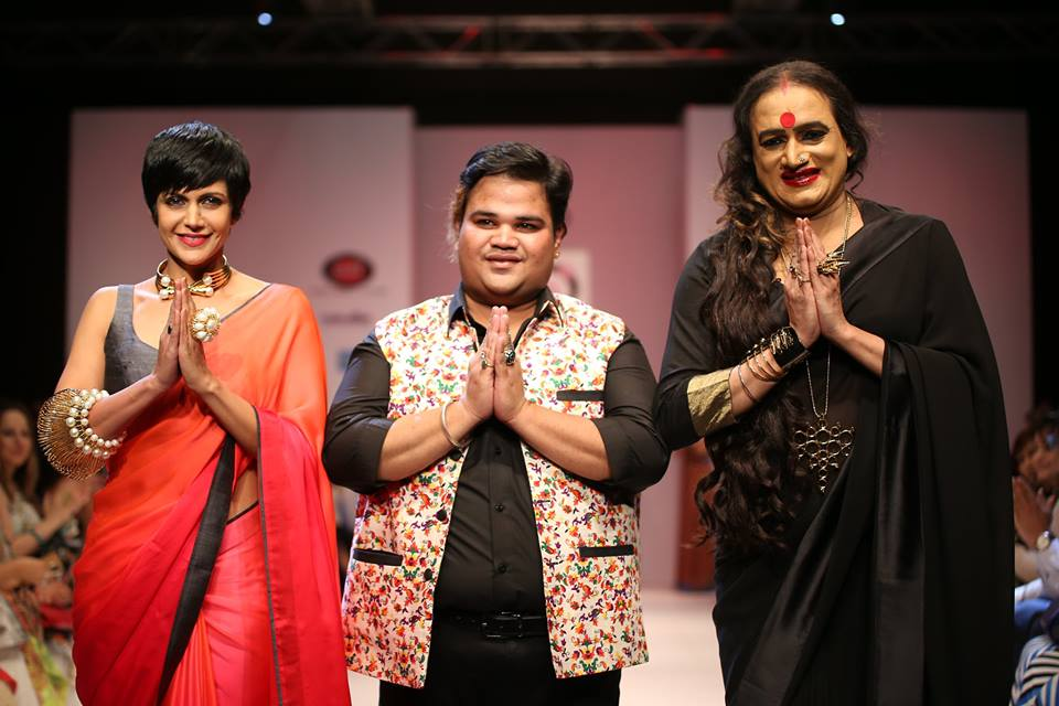 Mandira Bedi with Laxmi Narayan Tripathi (Transgender rights activist) walked the ramp for the designer walked the ramp for Delhi-based jewellery designer Akassh K Aggarwal.
