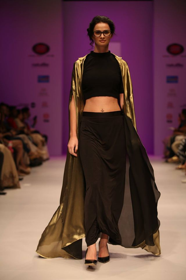 Models Walking on India Runway Week Season 6 - 1