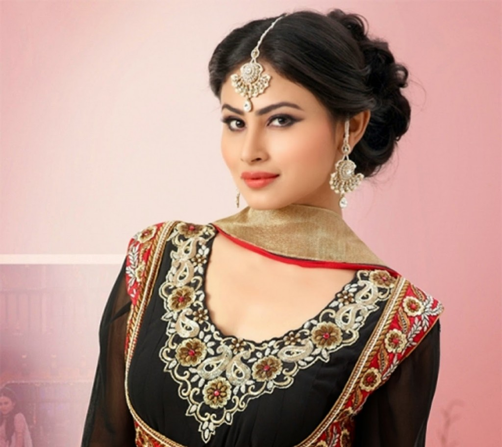 Mouni Roy Birthday, Birthplace, profile, pics, serials list