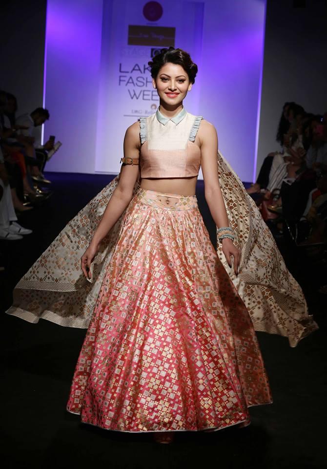 Urvashi Rautela Beautiful Pics and Style