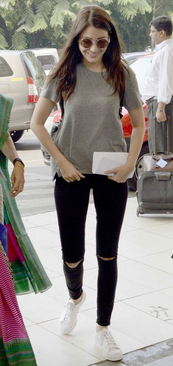 Anushka Sharma casual airport look