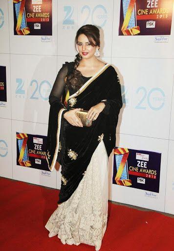 Huma Qureshi in saree - voluptous body shape